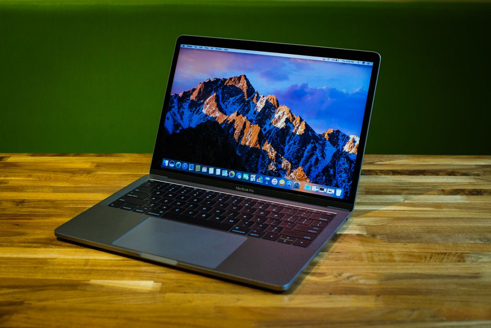 apple-macbook-pro-13-inch-2016-1888-044.jpg