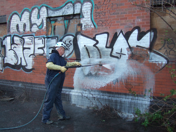 graffiti is it art or vandalism essay By mac, harry & jake this is a regional issue for the people of sydney some disadvantages for graffiti graffiti: is it art or vandalism some advantages for.